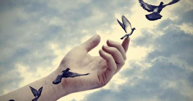 15 Sfaturi pe care să ți le dai pentru a trece peste aceste momente dificile