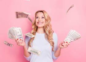 Horoscopul carierei în aprilie 2021: 3 zodii cu noroc la bani