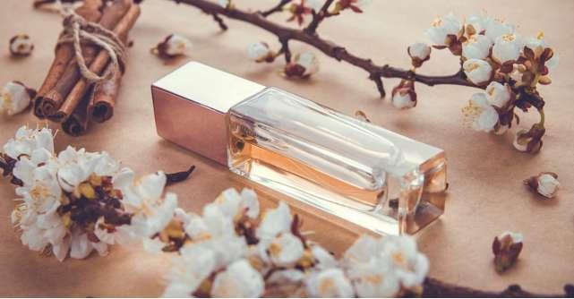 8 lucruri pe care orice femeie trebuie sa le stie despre parfumuri
