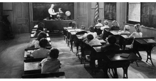Un profesor si-a intrebat intrebat studentii daca exista Dumnezeu. Raspunsul lor?