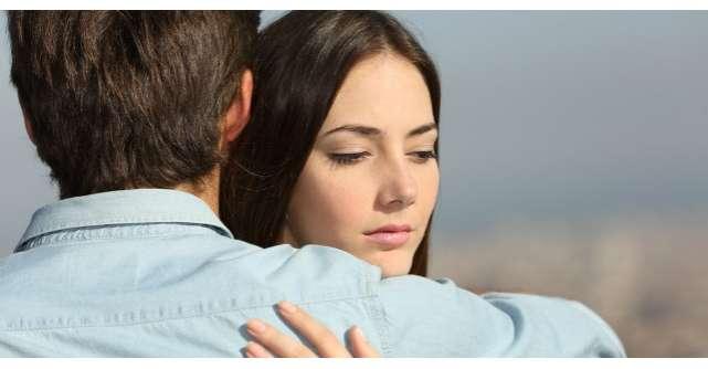 Sotul gelos isi controla de fiecare data sotia. Ce a facut femeia?
