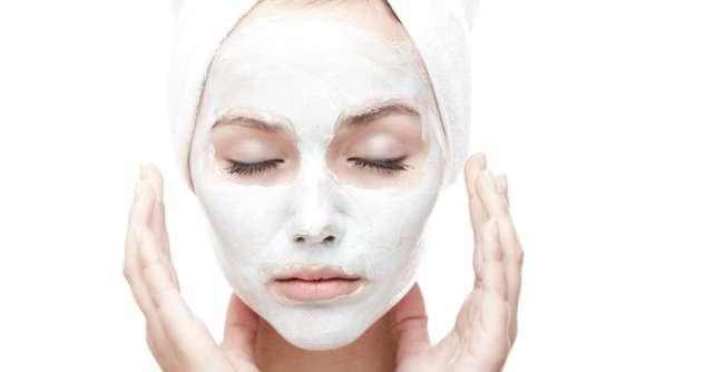 Masca faciala facuta in casa pentru purificarea tenului