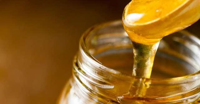 Cum deosebesti mierea naturala de cea artificiala
