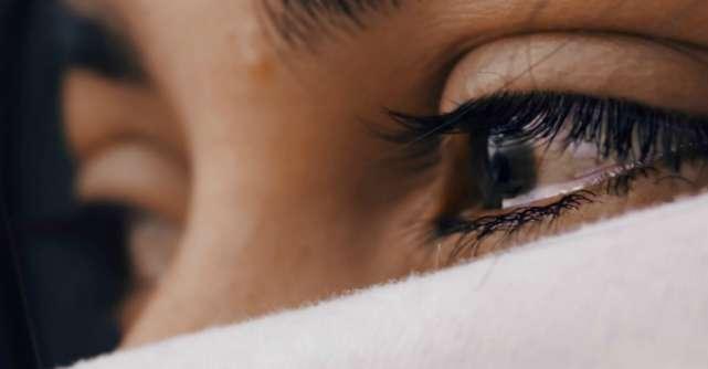 Uneori te vei simți pierdută, singură și cu sufletul încărcat de durere