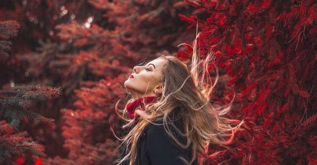 Foilayage, noul trend de colorare a parului pentru un look fabulos