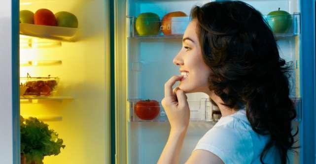 Alimentele și băuturile pe care trebuie să le evităm înainte de culcare!