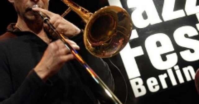 Germanwings, in ritmuri de jazz la Berlin