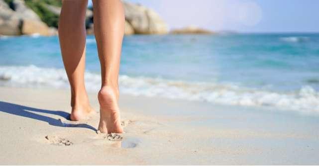 8 pericole la care îți expui picioarele pe timpul verii