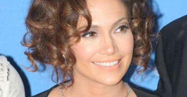 Jennifer Lopez si Iulia Albu vin cu Stirile zilei
