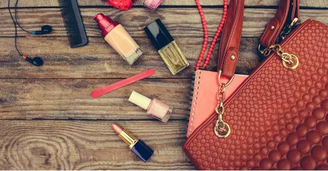 Ce cosmetice port mereu in geanta