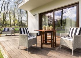 Terasa exterioara: Creeaza-ti locul de relaxare mult visat cu ajutorul acestor 3 produse!