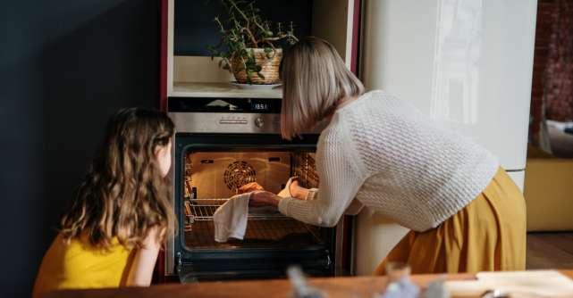 Învață să gătești mai ușor și mai repede. Trucuri de care să ții seama pentru a nu sta mult timp în bucătărie