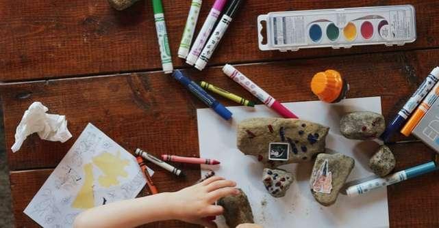 Activități pentru copii cu materiale reciclabile