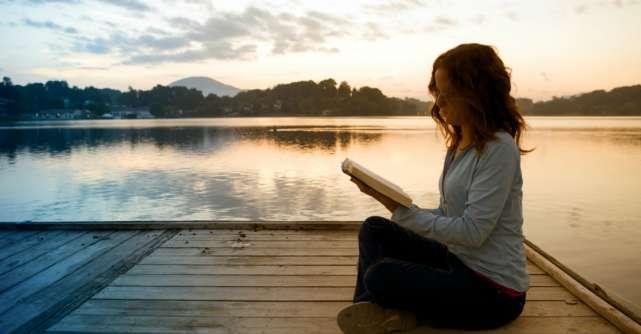 Diferenta dintre narcisism si iubirea de sine: Semnele unei tulburari mentale si calea spre vindecare