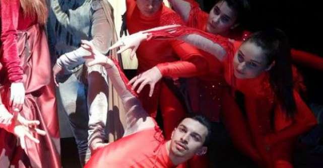 Cirque Etoile va invita la premiera Zaronia!