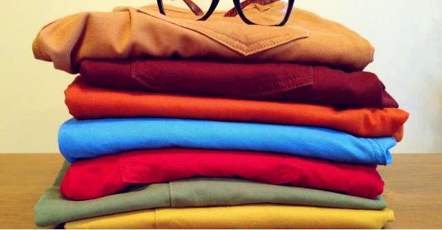 Pantaloni in culori pastelate