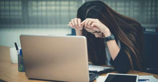 Esti stresata la munca? Aceste 'solutii' iti pot face mai mult rau decat bine