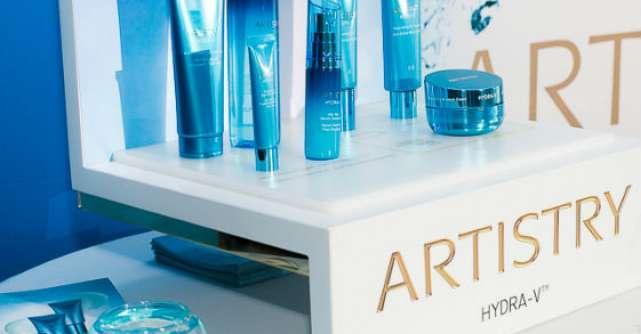Amway prezinta noua colectie HYDRA-V de la ARTISTRY