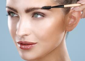 5 produse cosmetice pentru sprancene perfecte