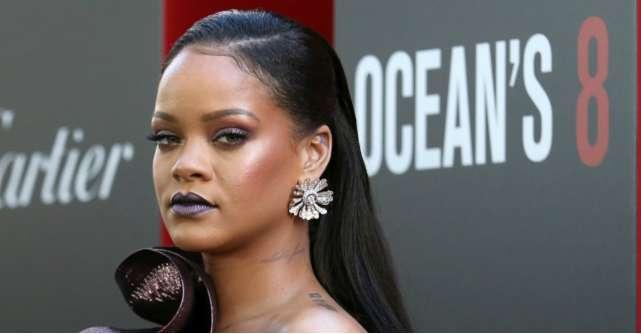 5 trucuri de machiaj invatate de la makeup artistul Rihannei