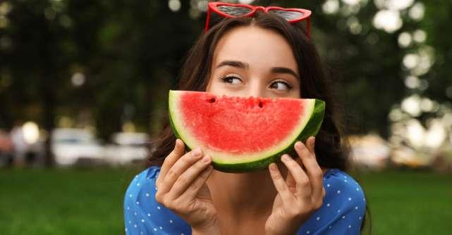 Ești ceea ce mănânci:  Alimente care îți mențin pielea hidratată