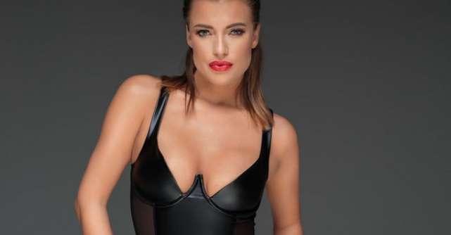 Bleumarin cu negru, combinatia seducatoare a finalului de an pe SevenSins.ro