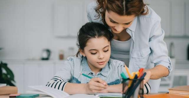 Top 5 cărți despre homeschooling și cum să-ți ajuți copiii la lecții