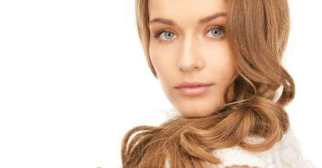 Iti cade parul? 10 Afectiuni ascunse de cel mai comun simptom al femeilor