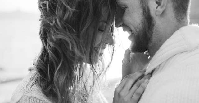 5 Comportamente pe care un barbat le afiseaza doar atunci cand iubeste cu adevarat
