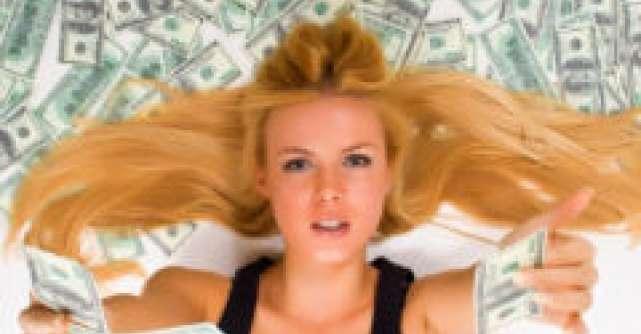 Barbatul aduce banii in casa si femeia are grija de ei