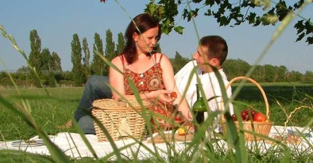 Distractia primaverii: Cu prietenii la picnic