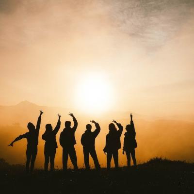 6 motive pentru care prietenii sunt importanți