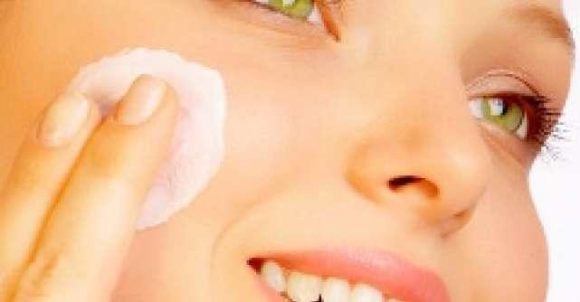 Schimba-ti crema cu Olay Total Effects