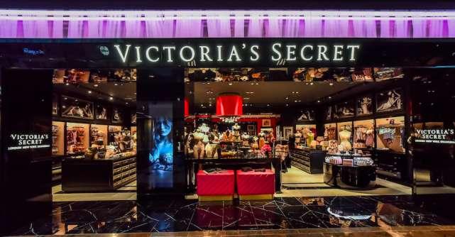 Victoria's Secret lansează o inițiativă de prevenție a cancerului la sân și de self care alături de Stella McCartney