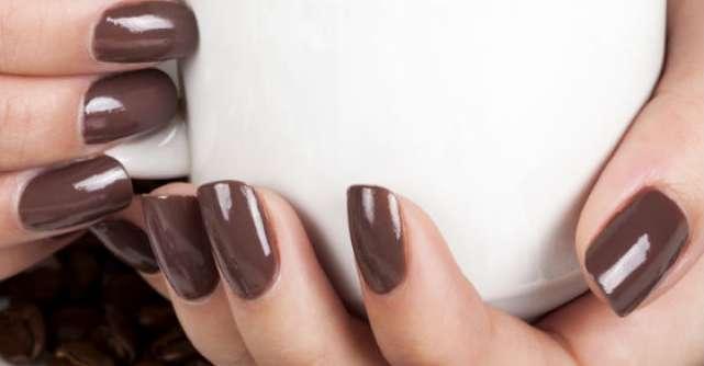 7 Solutii BIO de ingrijire a unghiilor cu probleme