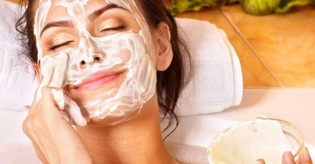 5 Tratamente faciale naturale care chiar functioneaza