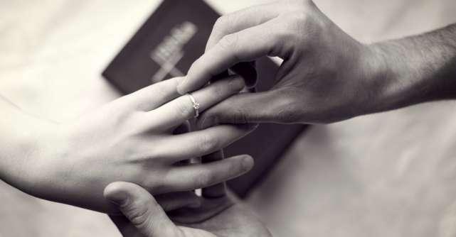 4 subiecte pe care trebuie sa le discuti cu partenerul tau inainte de a spune