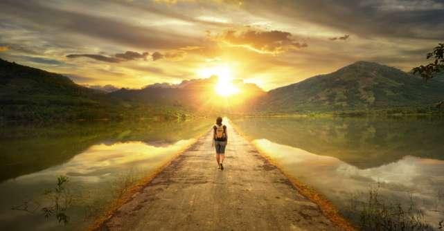 9 Lucruri pe care să ți le spui când simți că visurile sunt la ani distanță de tine