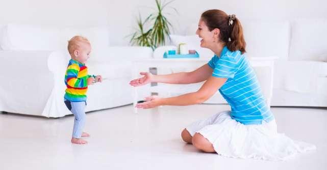 Mersul la bebeluși: ce este și ce nu este normal