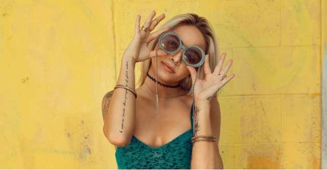 Cum să îți asortezi ochelarii de soare la ținută