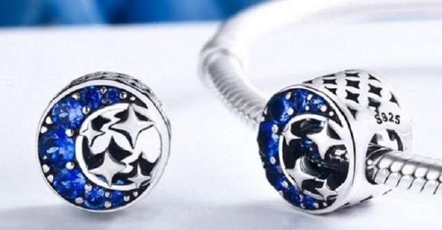Cele mai importante 5 simboluri ale feminităţii pe care le poţi purta cu tine sub forma unui talisman de argint