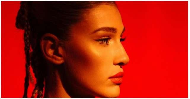 Alina Eremia lansează piesa Să fii fericit exclusiv în variantă acustică