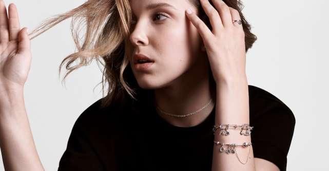 Pandora anunță parteneriatul cu Millie Bobby Brown pentru lansarea unei noi colecții de bijuterii