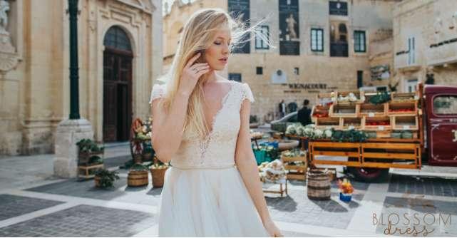 """Influențe italienești și franțuzești în colecția bridal """"Blossom Dress 2018"""""""