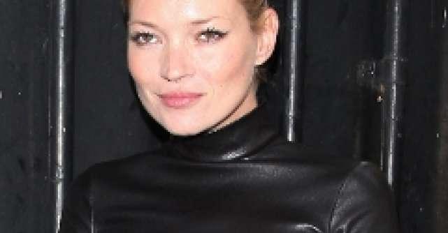 Kate Moss inca este dependenta