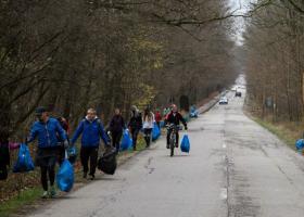 Se lanseaza Plogging pentru Romania, miscare ecologica prin alergare si sport, ce curata de gunoaie zonele verzi din tara