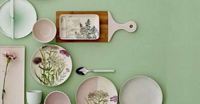15 accesorii colorate, pentru micul dejun