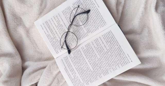 Top 5 motive pentru care e bine să citești înainte de a merge la culcare