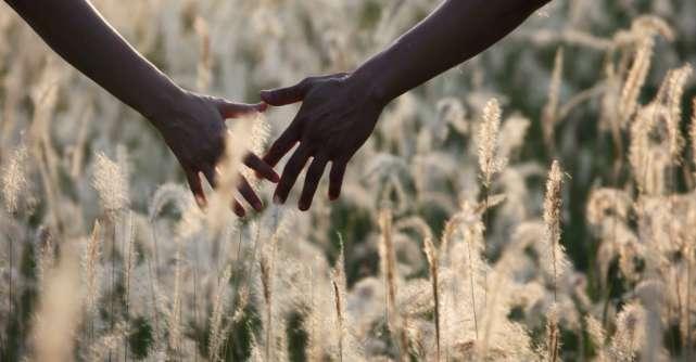 3 motive ascunse pentru care iti este frica sa te atasezi de partenerul tau
