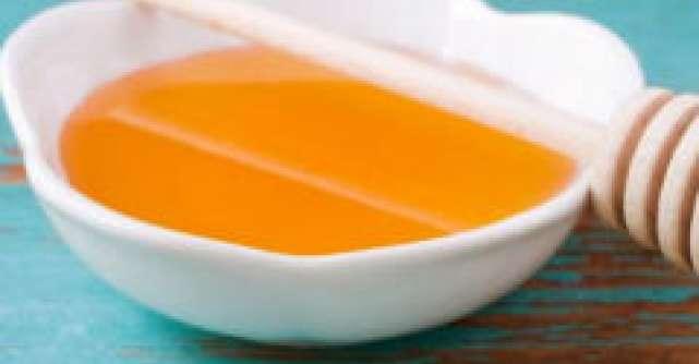 Terapia din stup: veninul de albina